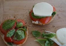 Quick and Easy Snack Idea: Bagel, Tomato and Mozzarella
